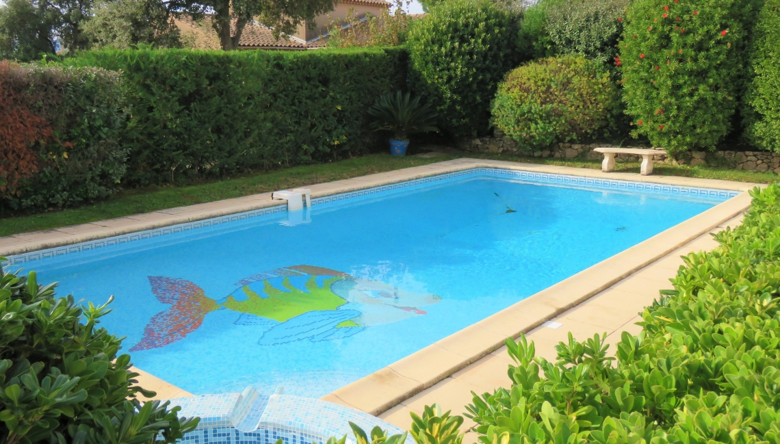 Piscine Villa Sud Beauvallon Properties